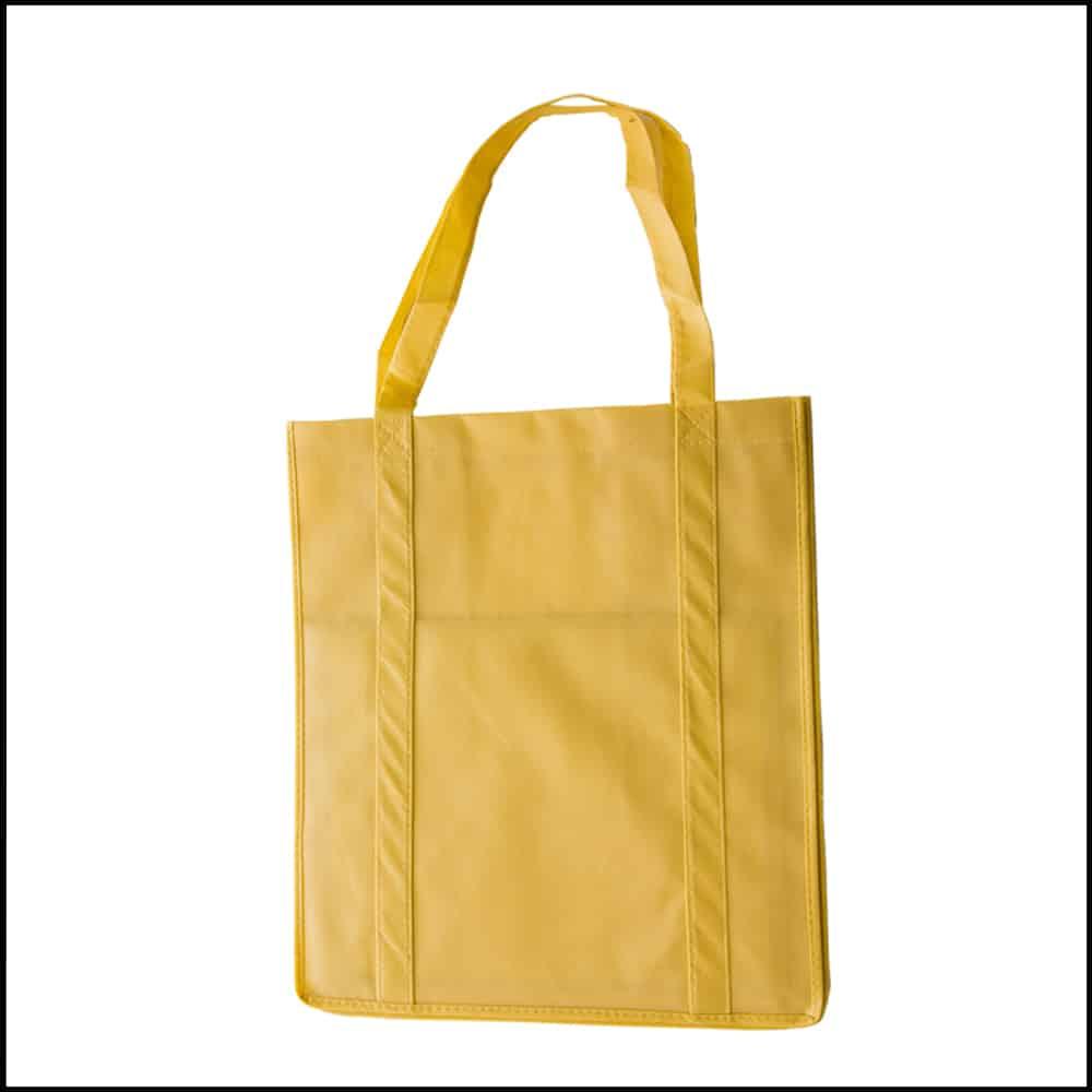un sac réutilisable et cabat printemballages