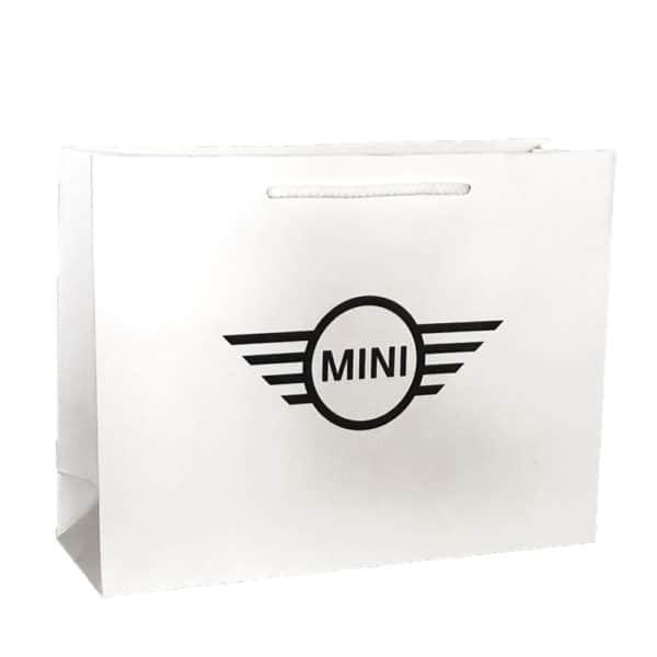 un sac papier de luxe pour la marque automobile mini