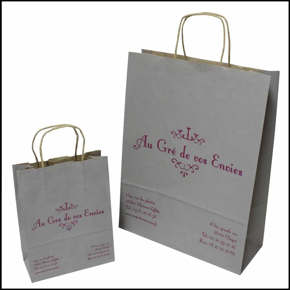 des sacs papier pour boutique de cadeaux