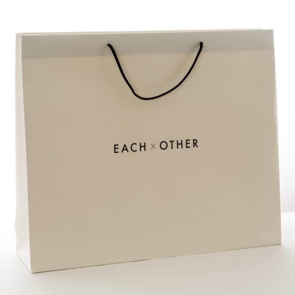 un sac papier personnalisable blanc