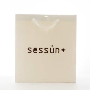un sac papier de prêt à porter pour Sessun