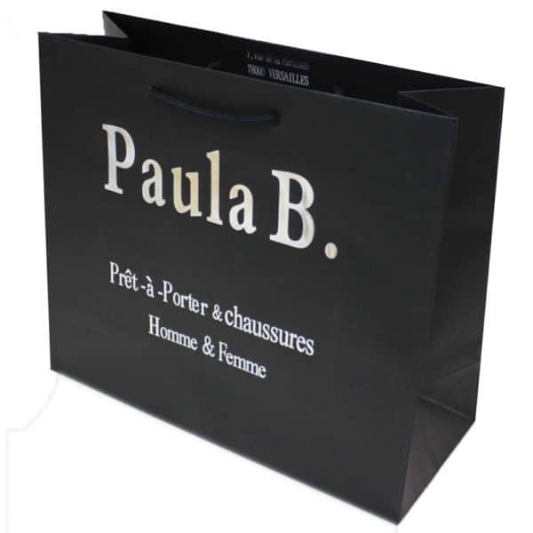 un sac shopping en papier