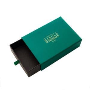 une boîte luxe avec fourreau